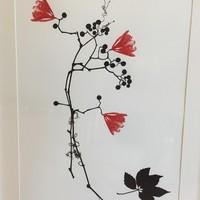 931_Kiviniemi_Röd blomma.jpg